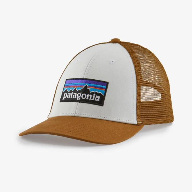 Bilde av Patagonia P-6 Logo LoPro Trucker Hat White w/Bear